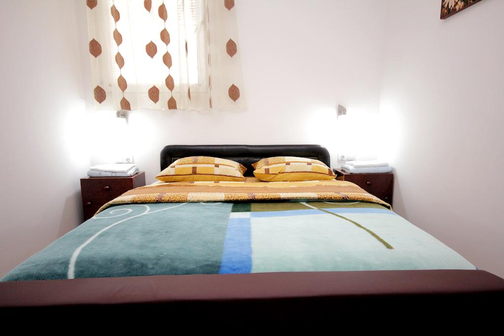 Two-Bedroom Apartment - double bed