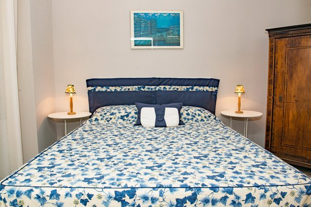 West End City Center Apartment Budapest - blue double bed 2