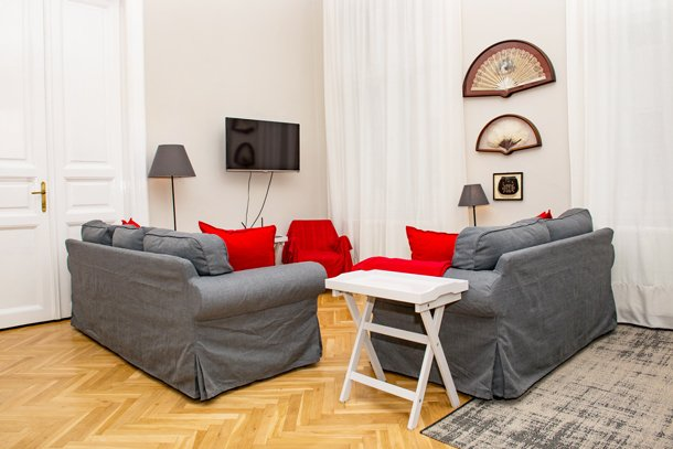 West End City Center Apartment Budapest - seating area