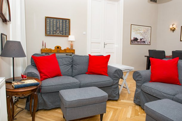 West End City Center Apartment Budapest - sofa