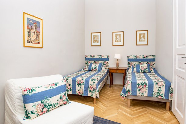 West End City Center Apartment Budapest - two singe beds