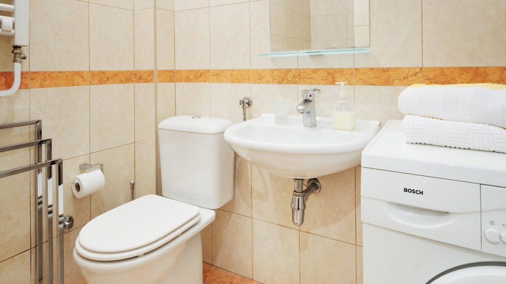 Savamala Belgrade Apartment nice bathroom - visit Belgrade rent apartment on Destinelo