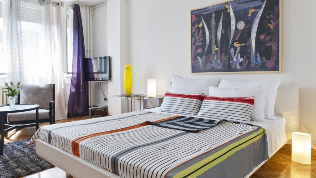 Belgrade Fortress Apartment bed - Destinelo