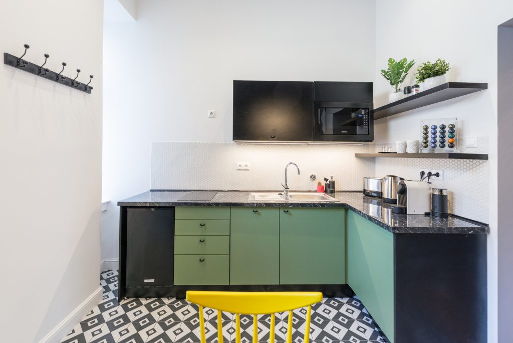 Luxury Parisian Studio City Center Apartment Budapest - Kitchen