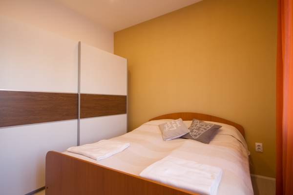 Deluxe one bedroom apartment - double bed