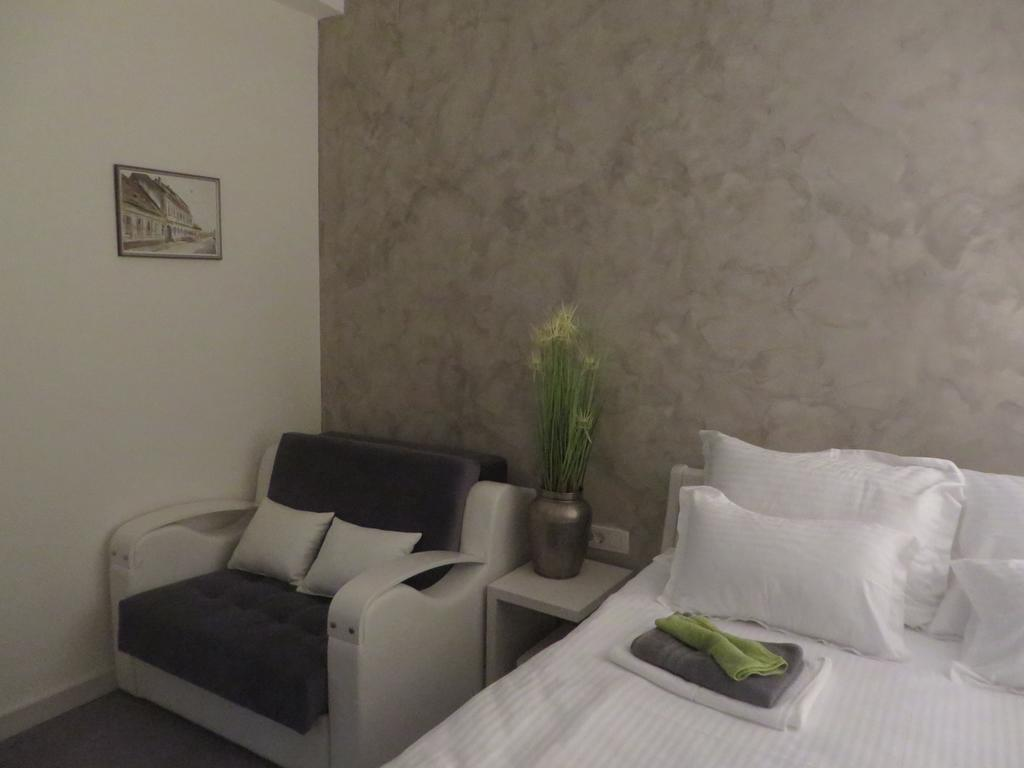 Bed & Breakfast Villa Marija Belgrade - comfort sofa & bed