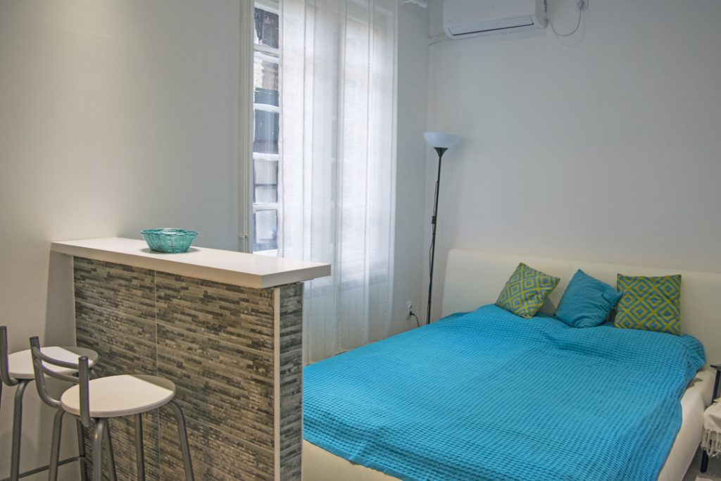 Turquoise romance apartment in Belgrade