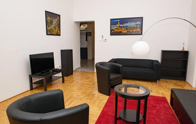 Andrassy Avenue Apartment Budapest - living room