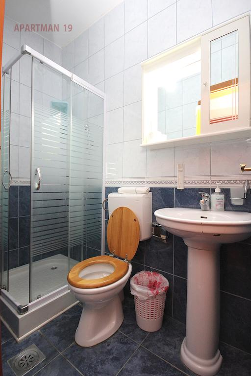 Apartments Kojic - studio 2 - bathroom
