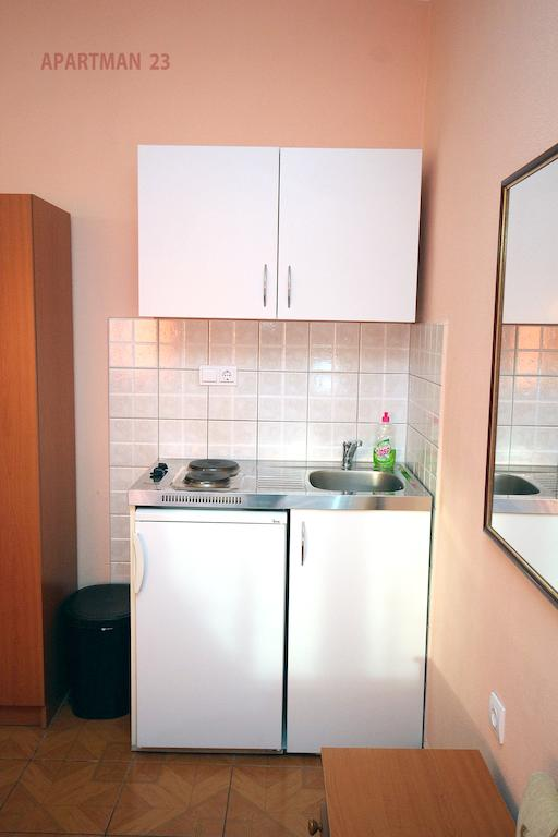 Apartments Kojic - studio 2 sea view - kitchen