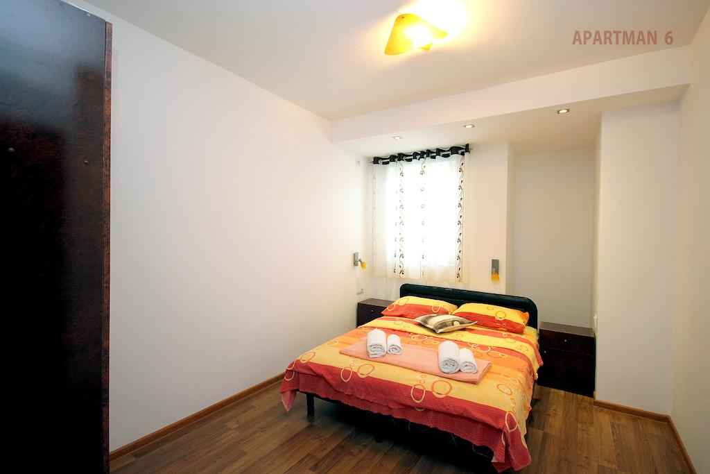 One-Bedroom Apartment with Balcony - double bed 2