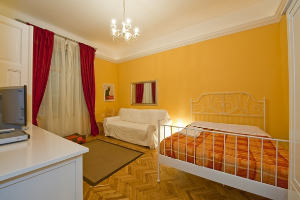 University Apartment Budapest - living room - sofa bed, double bed