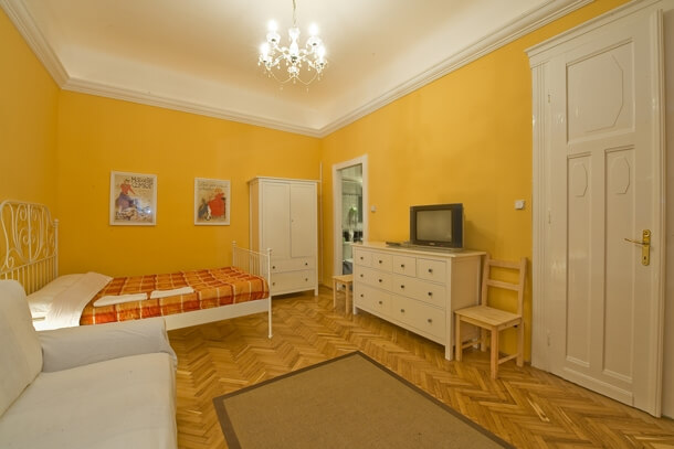 University Apartment Budapest - living room