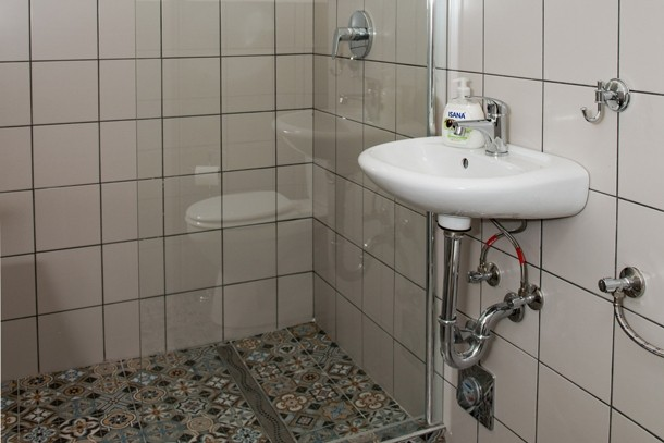 Budapest Theater Apartment - bathroom with shower
