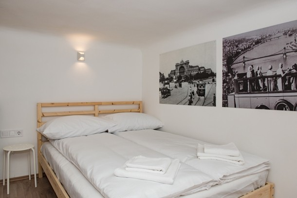 Budapest Theater Apartment - double bed