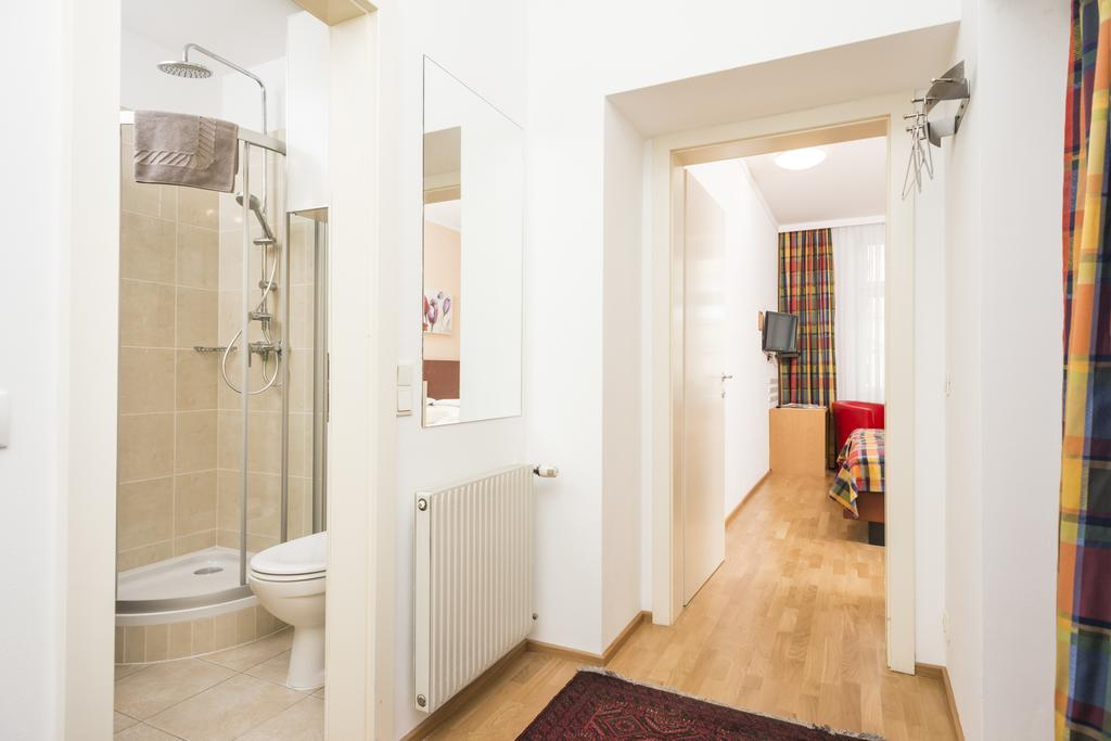 Cozy Ferchergasse Studio Apartment 5 - coridor