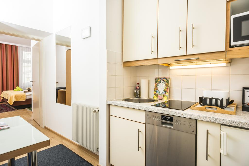 Superior Ferchergasse Studio Apartment 6 - kitchen