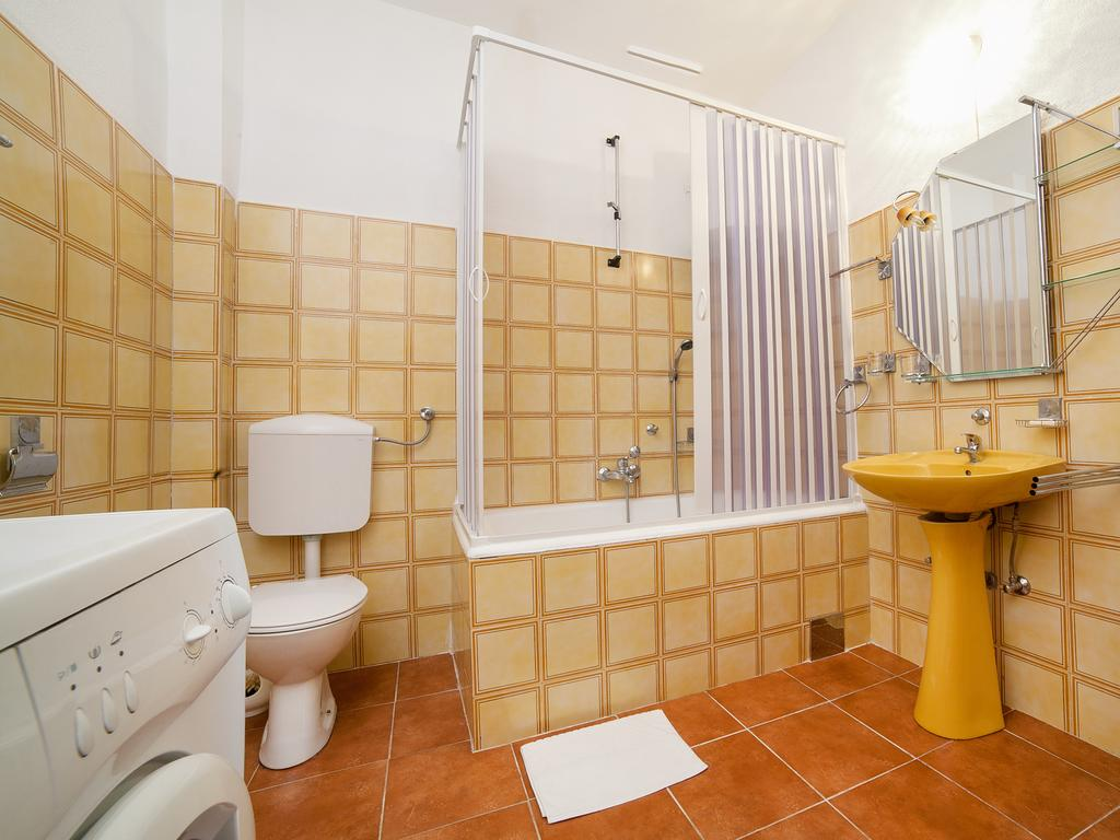 Duplex Apartment - bathroom