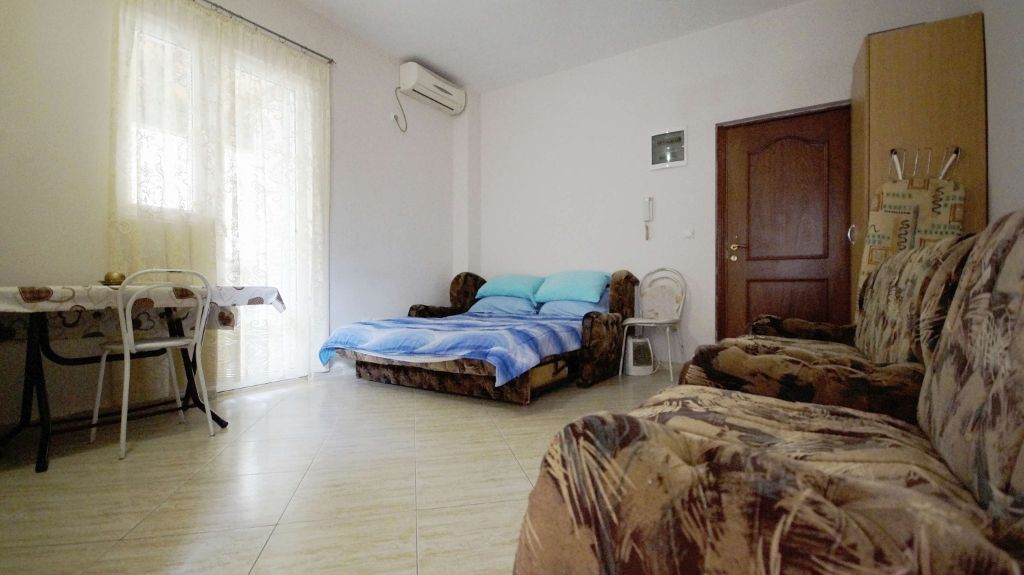 Studio Apartment Budva - seating area