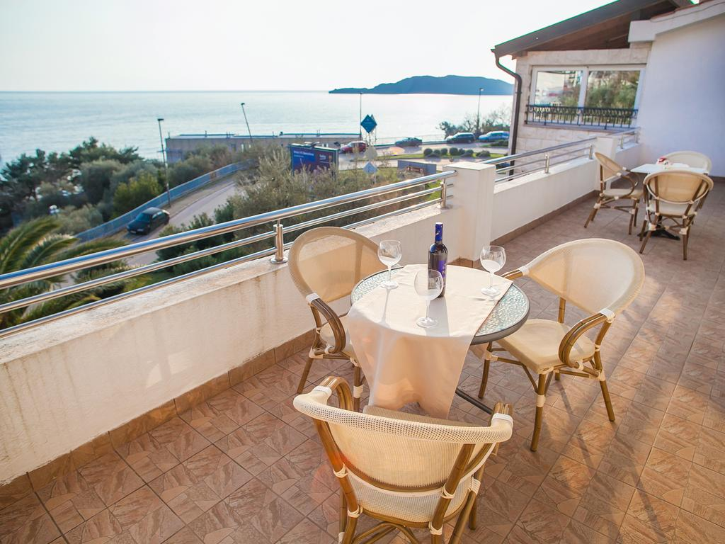 Two-Bedroom Apartment - with Sea View terrace