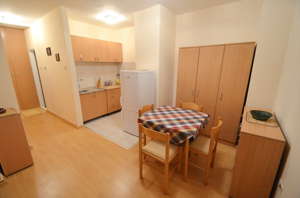 Two Bedroom Comfort Apartment - Budva - dining area