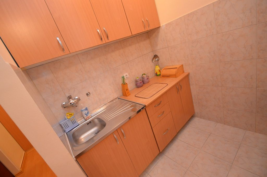 Two Bedroom Comfort Apartment - Budva - kitchen