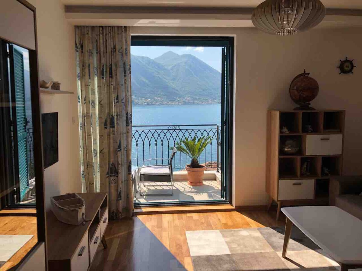 Apartments Živković - Dobrota, Montenegro - apartment with sea view - double bed