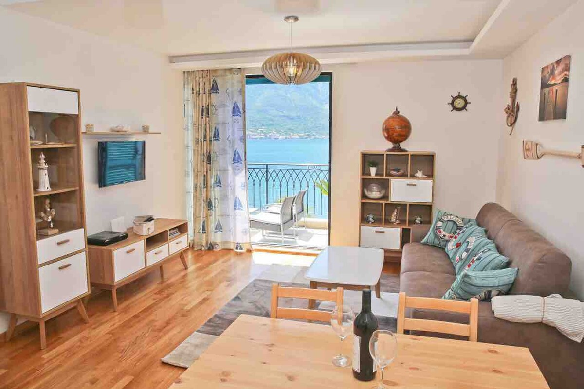 Four Bed Apartment with Sea View