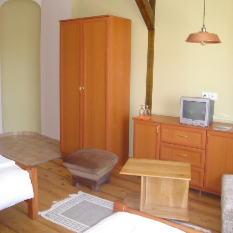 Standard Twin Room with Private Bathroom (1 person)